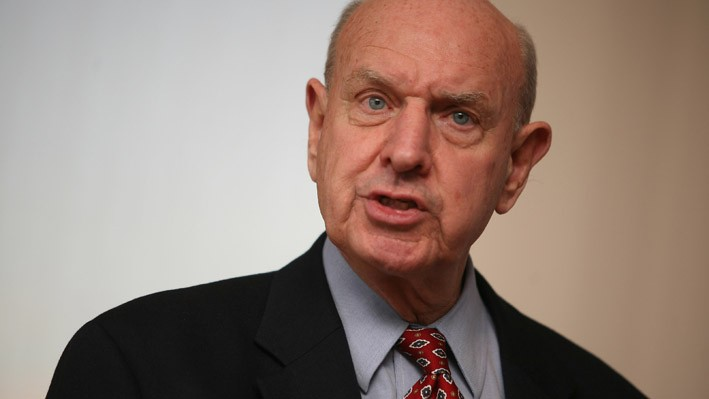 Ambassador Thomas Pickering speaks at Columbia University event